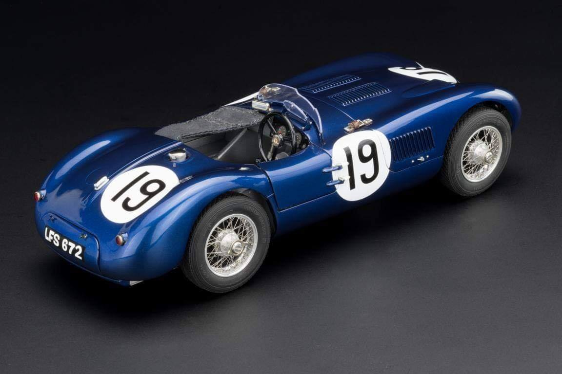 CMC #JAGUAR C-Type Racing Versions with the wonderful Ecurie #Ecosse #19, from the Goodwood Member´s meeting in 1954, driven by Jimmy Stewart (chassis XKC-052).3.jpg