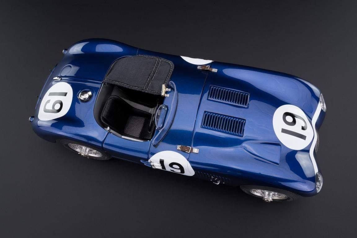 CMC #JAGUAR C-Type Racing Versions with the wonderful Ecurie #Ecosse #19, from the Goodwood Member´s meeting in 1954, driven by Jimmy Stewart (chassis XKC-052).5.jpg